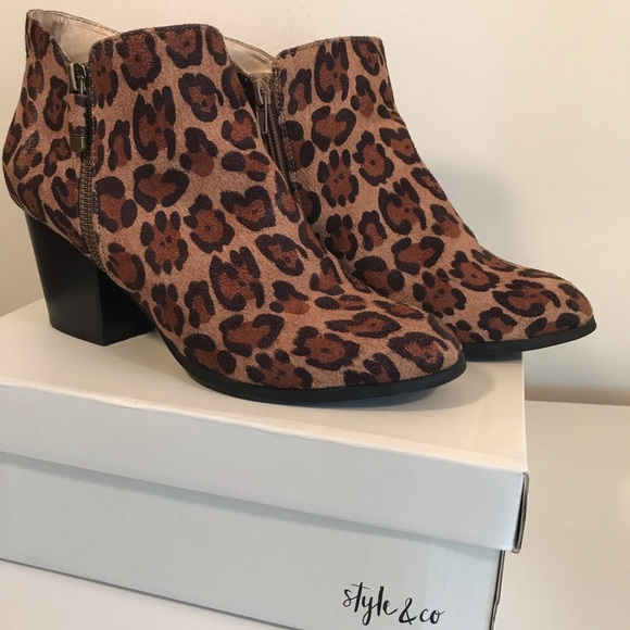 Style /& Co Womens Masrinaa Ankle Fashion Boots Taupe Size 8.5
